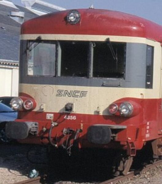 "Autorail EAD X4500 ""Caravelle""  - 1/220"